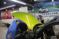 需要试一试?深圳龙华汽车改色贴膜的新方法!