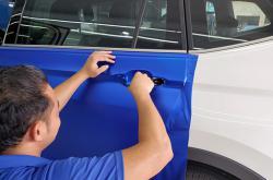 你没想到深圳龙华汽车改色贴膜竟然可以这么简单解决吧?